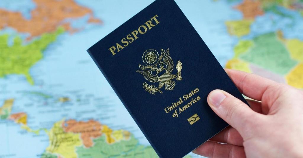 101987469-US_passports_3.1910x1000